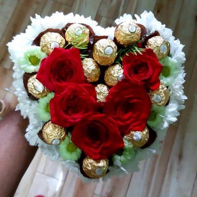 5 Roses & Ferrero Chocolate Heart Bouquet